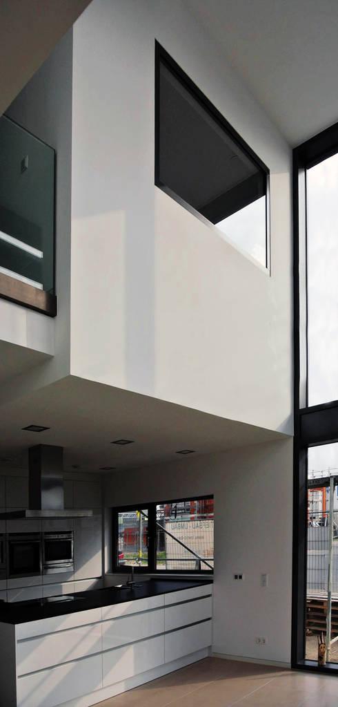 unlimited architekten  |  neumann + rodriguez의  주방