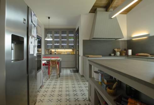 Cocina de estilo clásico: Cocinas de estilo clásico de Canexel