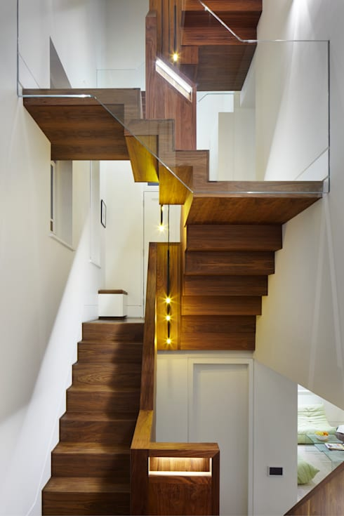 New staircase:  Corridor & hallway by Fraher Architects Ltd