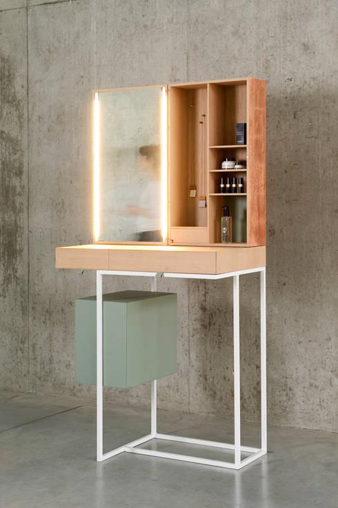 Tabeau: minimalistische Slaapkamer door BRCK