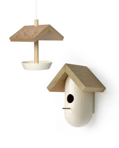 Vogelhuis: scandinavische Tuin door Studio Harm en Elke