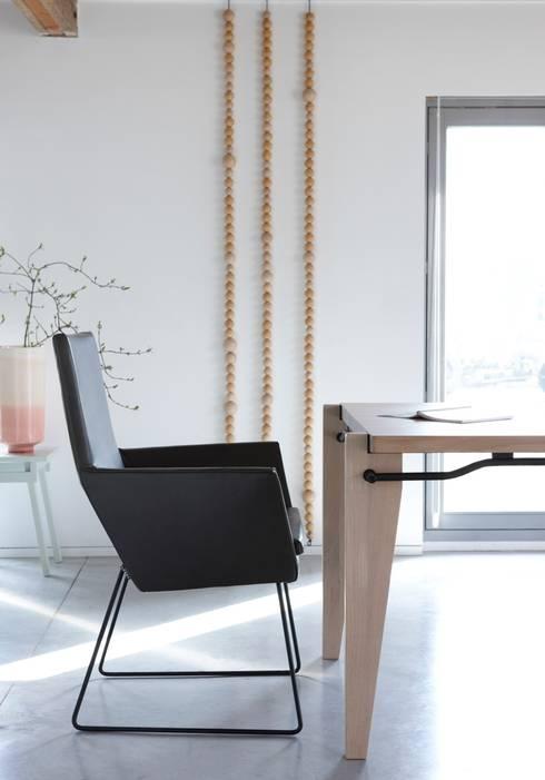 Donna: moderne Eetkamer door Label | van den Berg