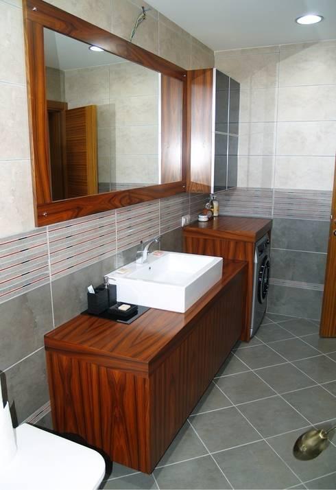 ZAFER MİMARLIK ve MOBİLYA SAN. – PELESENG BANYO DOLABI: modern tarz Banyo