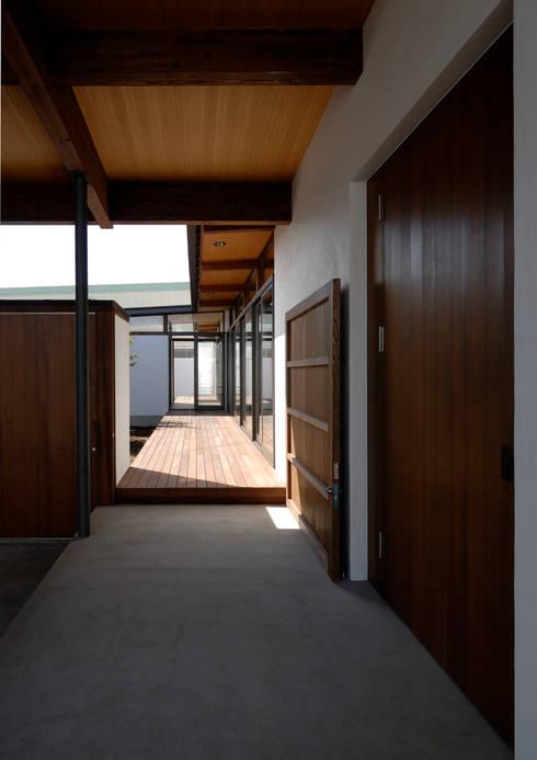 Rumah by 井上洋介建築研究所