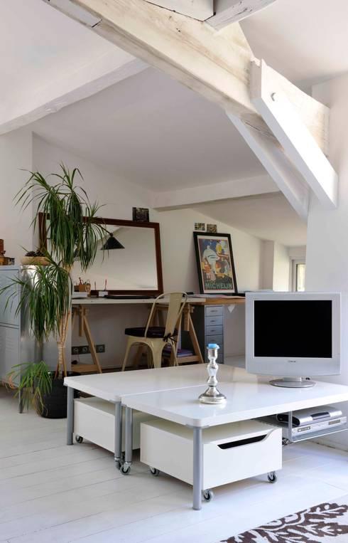 Projekty,  Domowe biuro i gabinet zaprojektowane przez Loftsdesign