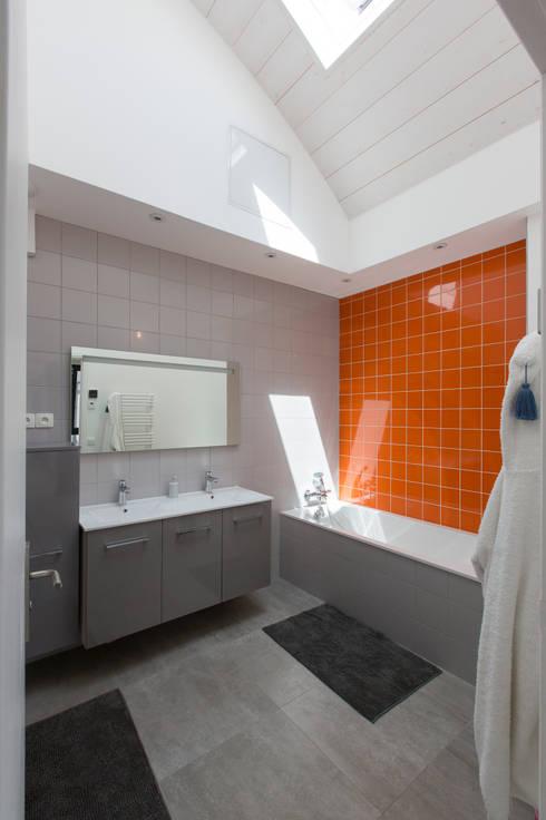 agence MGA architecte DPLGが手掛けた浴室