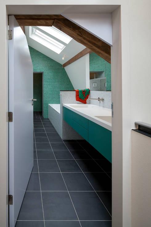 badkamer eerste verdieping, foto: Scagliola Brakkee:   door bijvoet architectuur & stadsontwerp