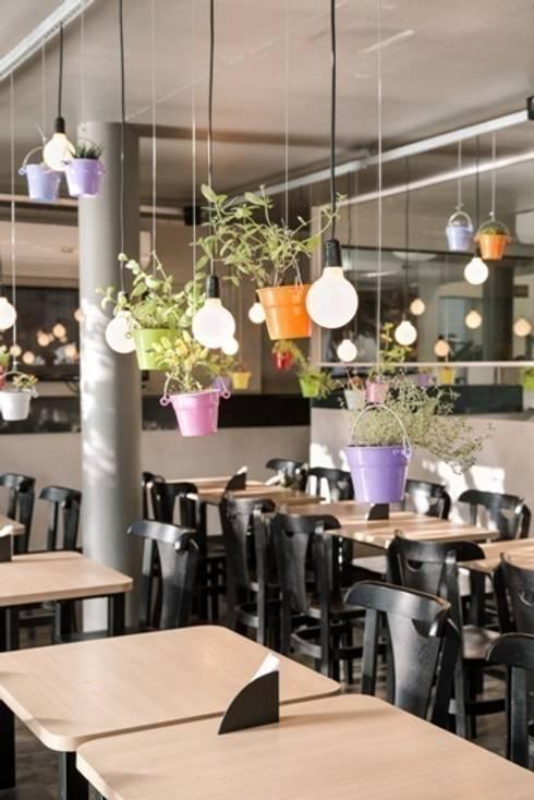 FRU | Restaurante  Frutaria do Parque : Espaços gastronômicos  por Kali Arquitetura