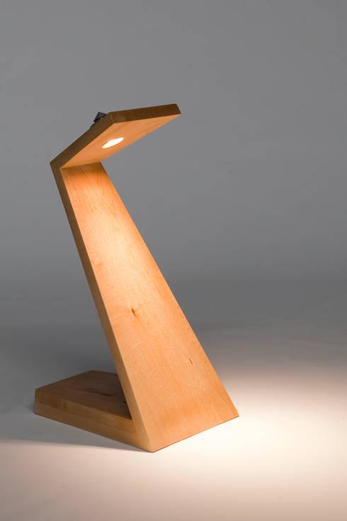 ZEDlamp basic: scandinavische Woonkamer door studio picus