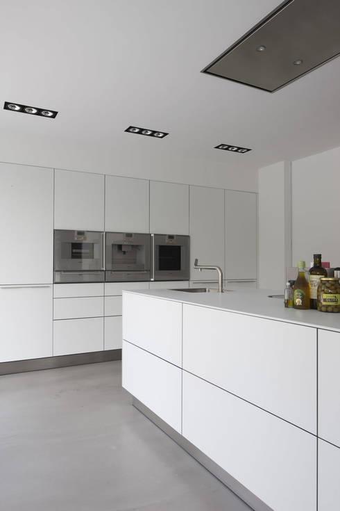 Cocinas de estilo  por Lab32 architecten