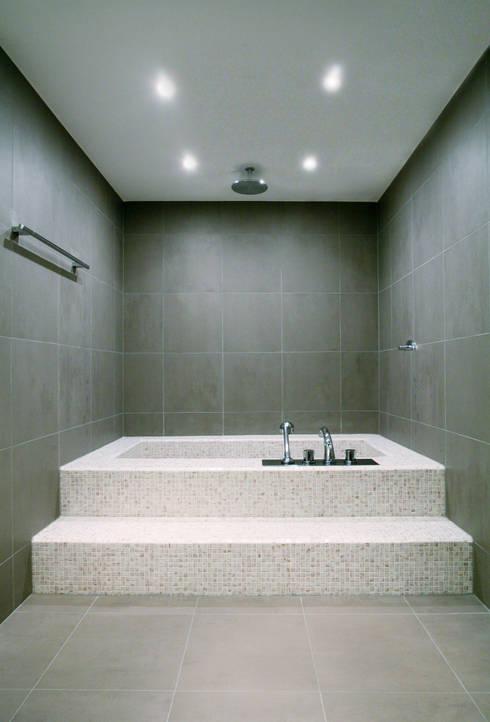 Bathroom by Hans Ritschard Architekten AG