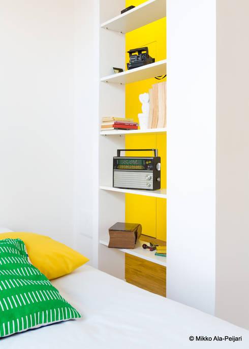 CASA DI ROSARIO: Camera da letto in stile  di Maurizio Giovannoni Studio