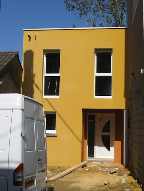 Maison à Saint-Nazaire: Maisons de style de style Minimaliste par SERAIN-LOUKAKOU ARCHITECTEURS