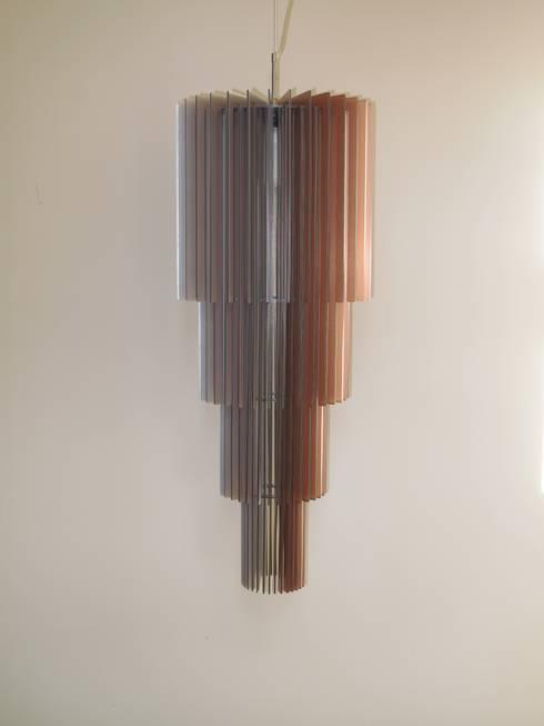 Tower 2: moderne Gang, hal & trappenhuis door Dutch Duo Design