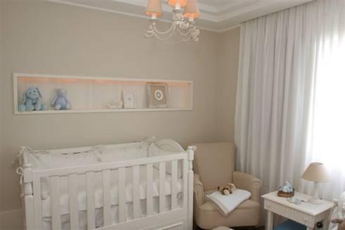 Quarto bebê: Quarto infantil  por Asenne Arquitetura