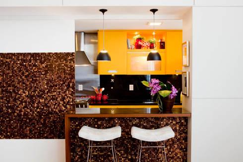 Apartamento Vila Nova Conceição : Cozinhas ecléticas por Asenne Arquitetura