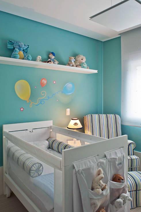 Projekty,  Pokój dziecięcy zaprojektowane przez KTA - Krakowiak & Tavares Arquitetura
