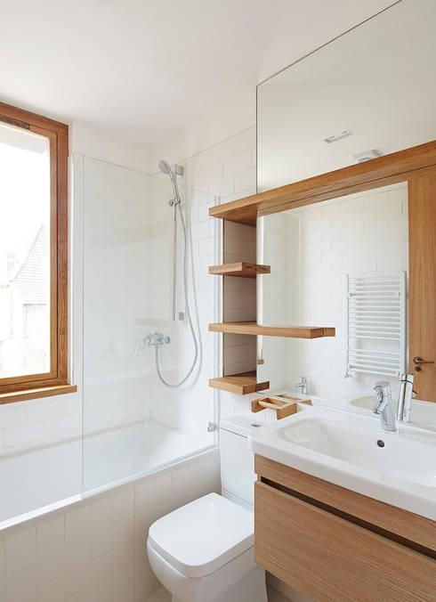 Haringey Brick House:  Bathroom by Satish Jassal Architects