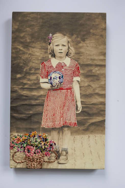 Studio Zipp: Geborduurde portretten in opdracht, textielkunst.:  Kunst  door studio zipp