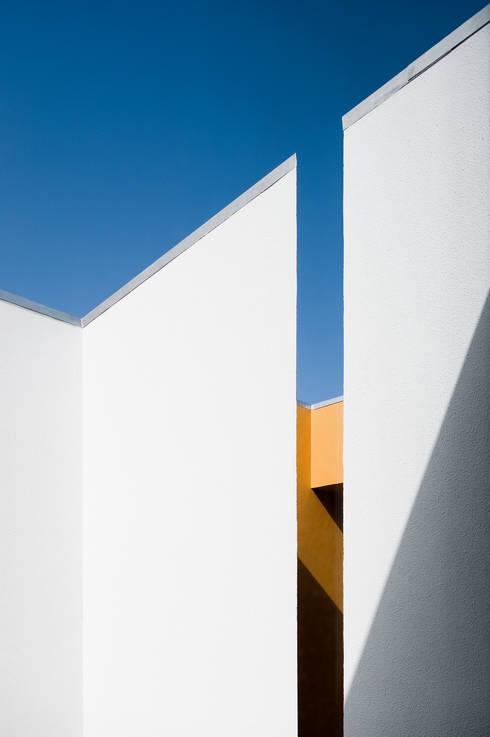 Casa Jarego: Casas  por CVDB Arquitectos