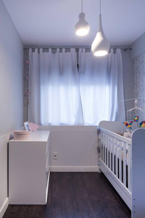 Apartamento JG: Quarto infantil  por Moove Arquitetos