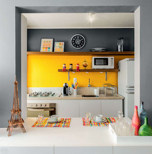 eclectic Kitchen by Ambientta Arquitetura
