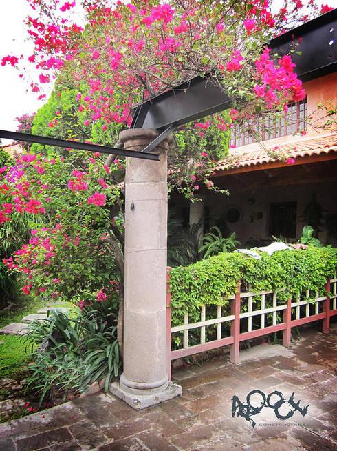 Garagens e edículas  por CONSTRUCTORA ARQOCE