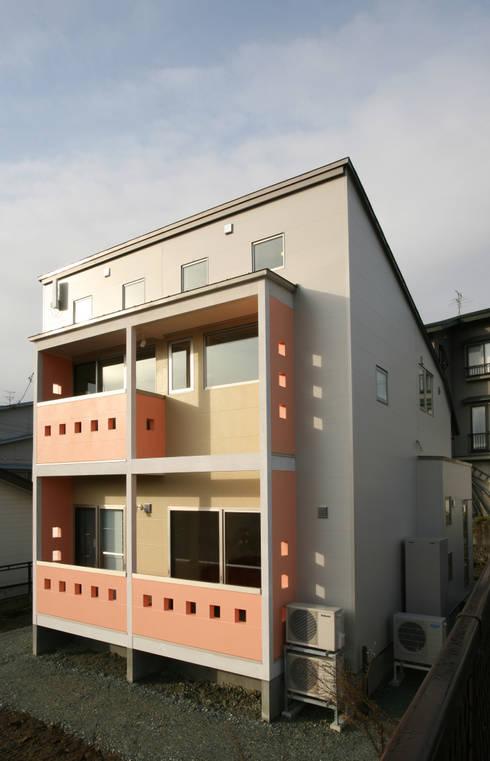 吉田設計+アトリエアジュール의  주택