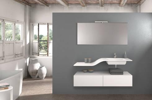 Mueble Essence W : Baños de estilo moderno de Astris