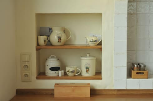 Zabudowa imitująca tynk z gliny: styl , w kategorii Kuchnia zaprojektowany przez 'Rustykalnia'  Sztuka Wnętrza