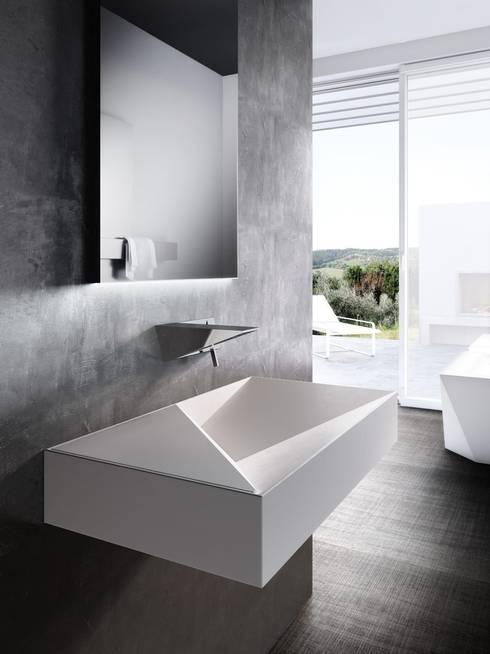 Bathroom by Un-real Studio Associato