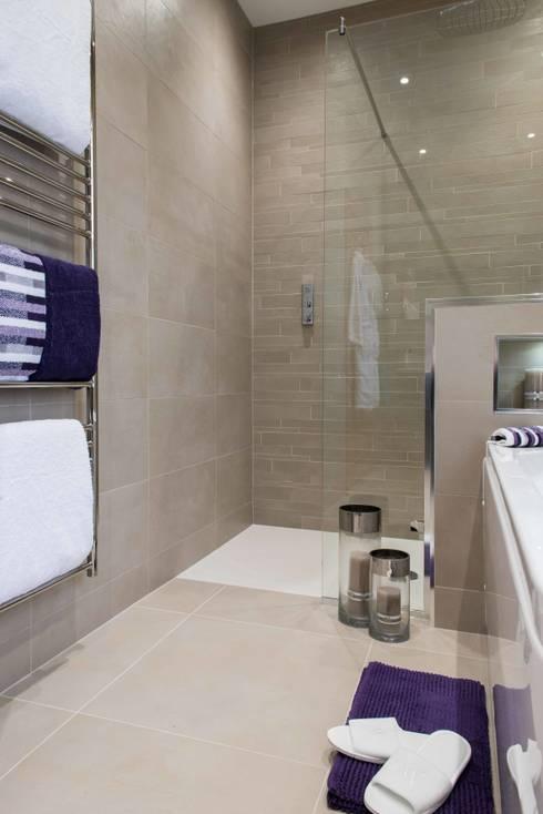 Michel Roux Waterside Inn Bathroom, Bray, Berkshire: modern Bathroom by Raycross Interiors