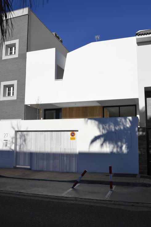 Casa GV: Casas de estilo moderno de 2G.arquitectos