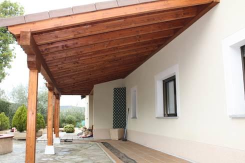 Porche garaje de madera de homify - Como hacer un porche de madera ...