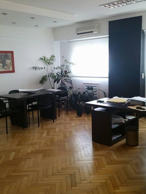 Arquitectura de interiores: Muebles de Oficina: Oficinas y locales comerciales de estilo  por rl.decoarq