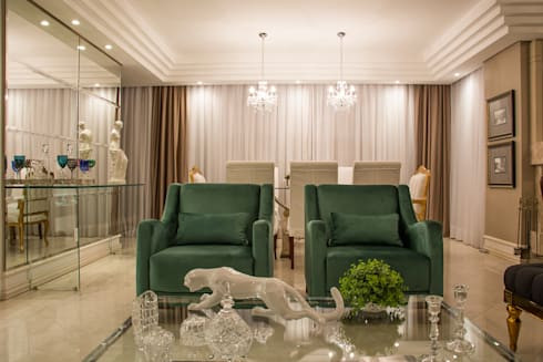 Living clássico m verde esmeralda: Salas de estar clássicas por marli lima designer de interiores