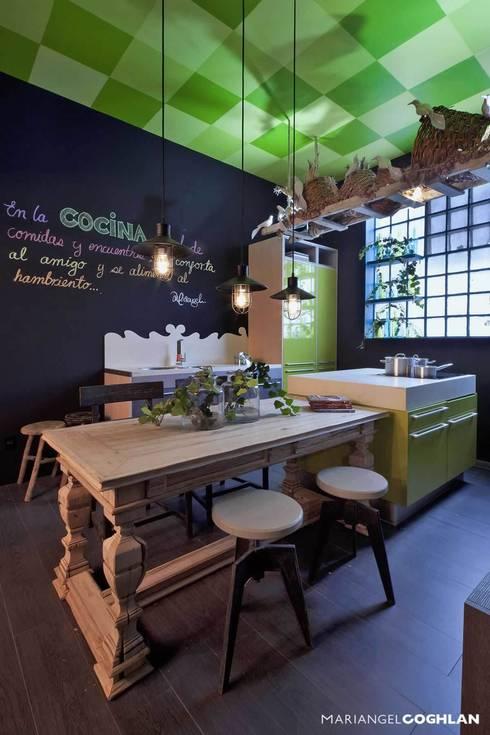 Cocina : Cocinas de estilo ecléctico por MARIANGEL COGHLAN