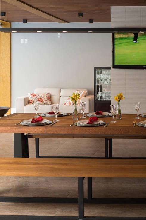Espaço Gourmet : Terraços  por Casa Habitada
