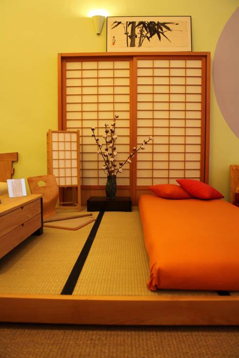 Dormitorios de estilo  por FUTONART