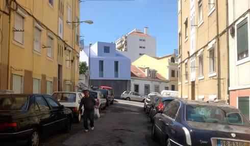 Fachada Principal: Casas minimalistas por HRA-Lisboa