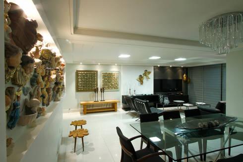 Sala estar/jantar dos anjos: Salas de jantar modernas por Celia Beatriz Arquitetura