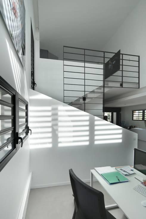 LITTORAL IMMOBILIER: Bureaux de style  par T&T architecture