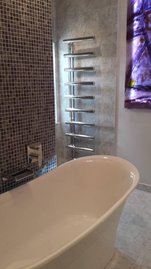 Dark Blue Grey / Azur Mother Of Pearl: classic Bathroom by MegaTiles