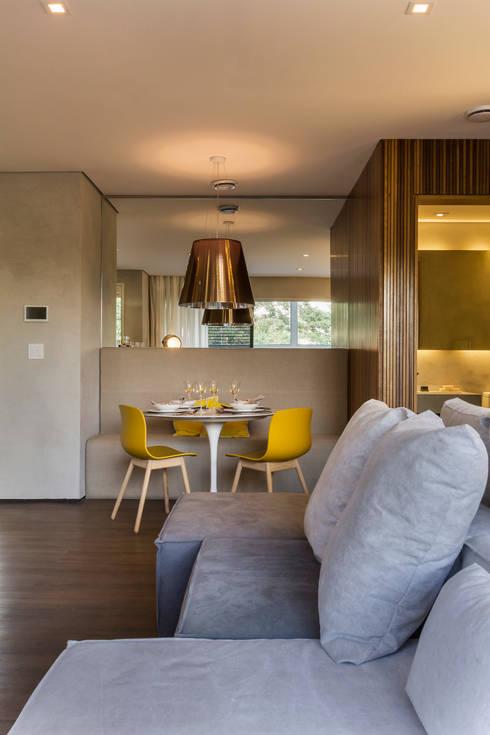 Just Married: Salas de jantar  por Studiodwg Arquitetura e Interiores Ltda.