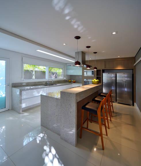 Cocinas de estilo  por Raffo Arquitetura
