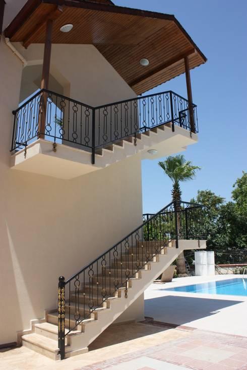 AYAYAPITASARIM – merdiven: klasik tarz tarz Evler