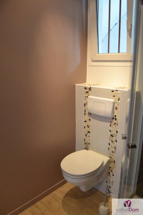Rénovation WC Après:  de style  par VALORIDOM