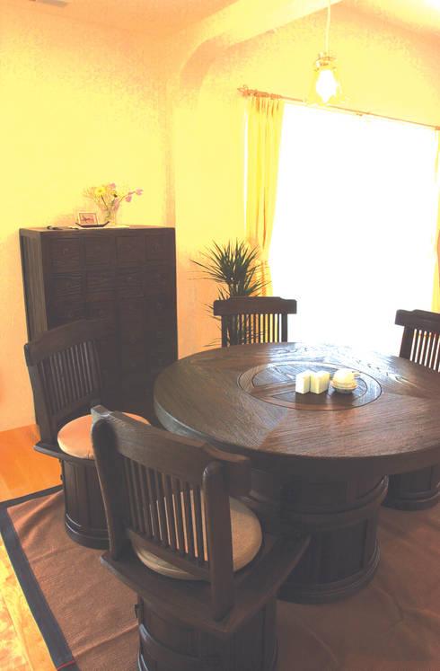 食事スペース: パパママハウス株式会社が手掛けた和室です。