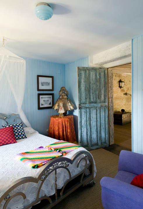 Bedroom by Oito Interiores