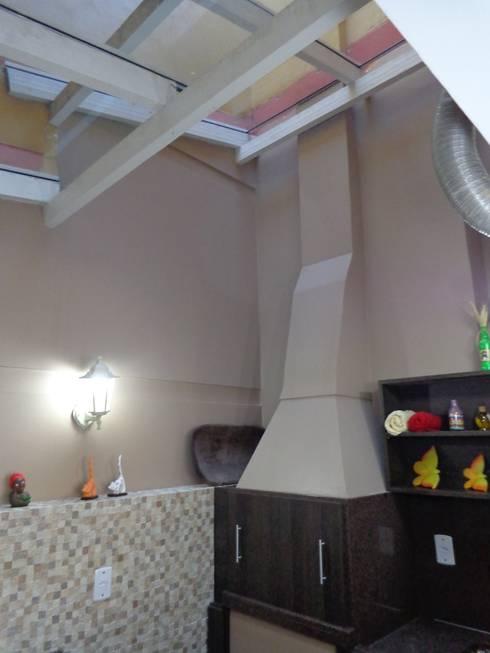 Reforma garagem zona Norte : Garagens e edículas modernas por Elaine Medeiros Borges design de interiores